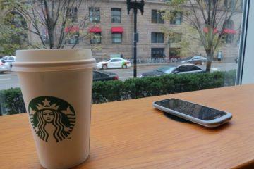 Starbucks y The New York Times distribuyen contenidos gratis en intercambio