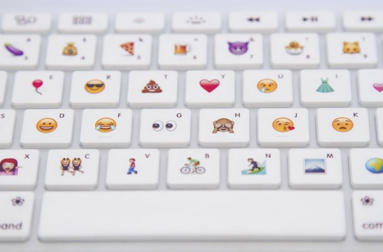 El teclado emoji aparece para impulsar una nueva forma de comunicación y permitir escribir emoticones con teclado