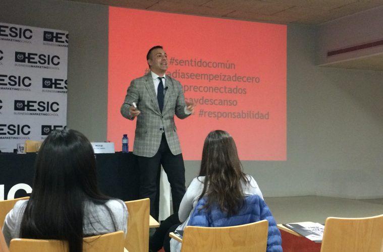 Digital Marketing Manager - Chal Jiménez 1