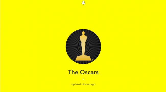 """En el marco de los Oscares, Snapchat agregó un reproductor online que permitió mostrar en vivo lo que ocurría en los Óscares, logrando acercar a los usuarios con lo que ocurría de manera """"íntima"""" vía Snapchat web."""