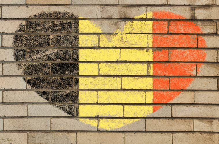 Las redes sociales reaccionan en todo el mundo tras los atentados en Bélgica