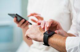apps móviles : El uso del móvil se sitúa en 150 consultas de media al día.
