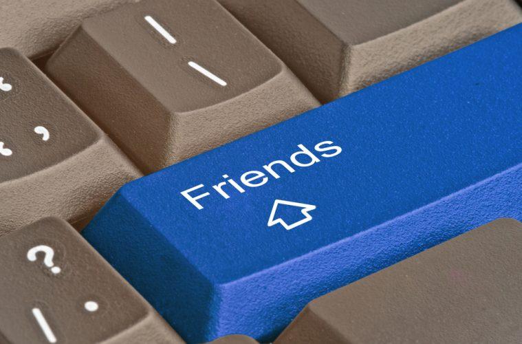 facebook de que están hablando tus amigos