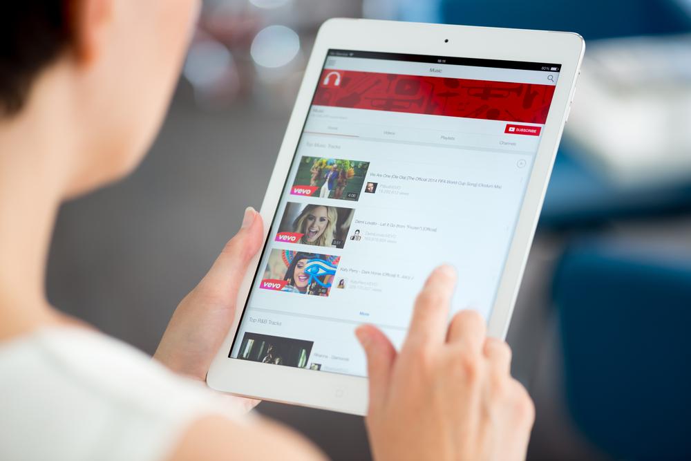 YouTube añade restricciones