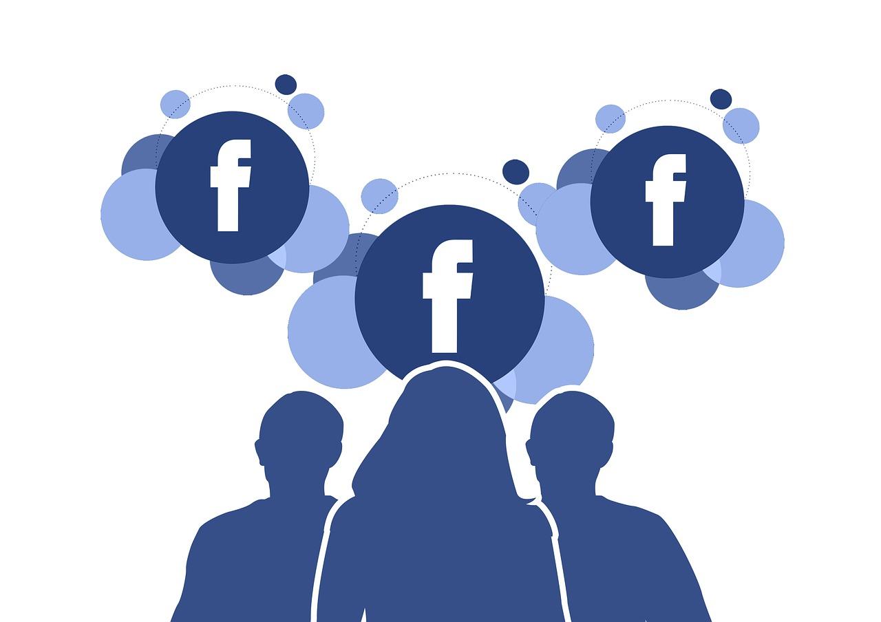 Facebook cambiará la forma de etiquetar amigos en una publicación