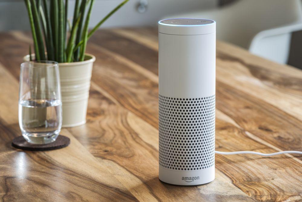 """""""Alexa, tráeme el desayuno"""". Amazon quiere demostrar el potencial de su asistente Echo en hoteles"""