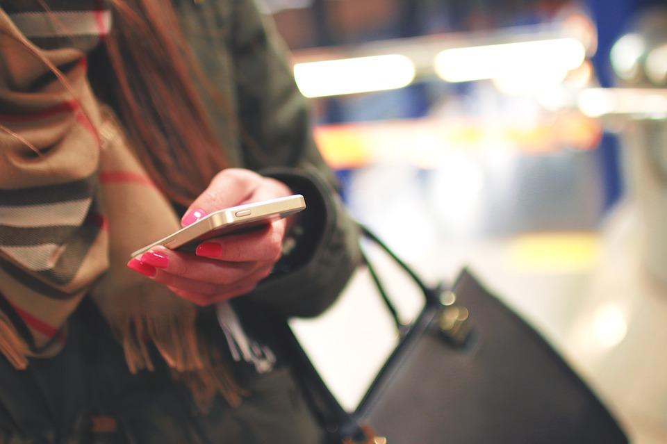Los jóvenes prefieren el messaging.