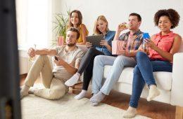 La era del multiscreening: más de la mitad del tiempo que duran los anuncios en TV... lo pasamos viendo el móvil