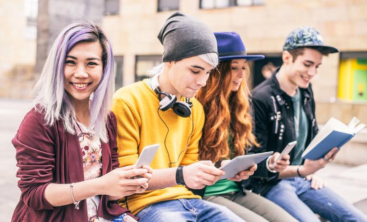 generación zeta centennials adolescentes