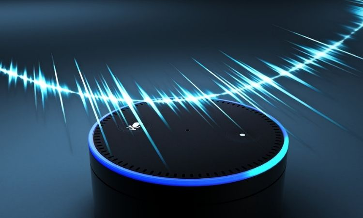 Ya puedes llevar tu blog a Alexa: el asistente de voz de Amazon se abre a los creadores de contenidos