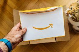 Amazon empieza a donar sus excedentes a ONGs en Reino Unido